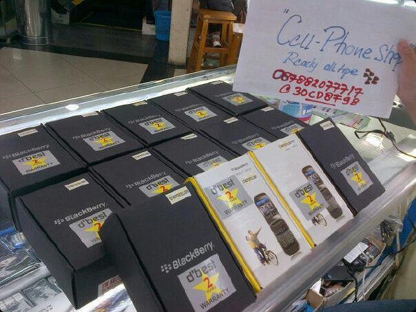 BLACKBERRY 8230 pearl flip CDMA BLACK / WHITE BARU GARANSI 2 TAHUN