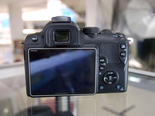 [KLIKcamera]Samsung NX10 Kit 18-55mm f3.5-5.6 OIS