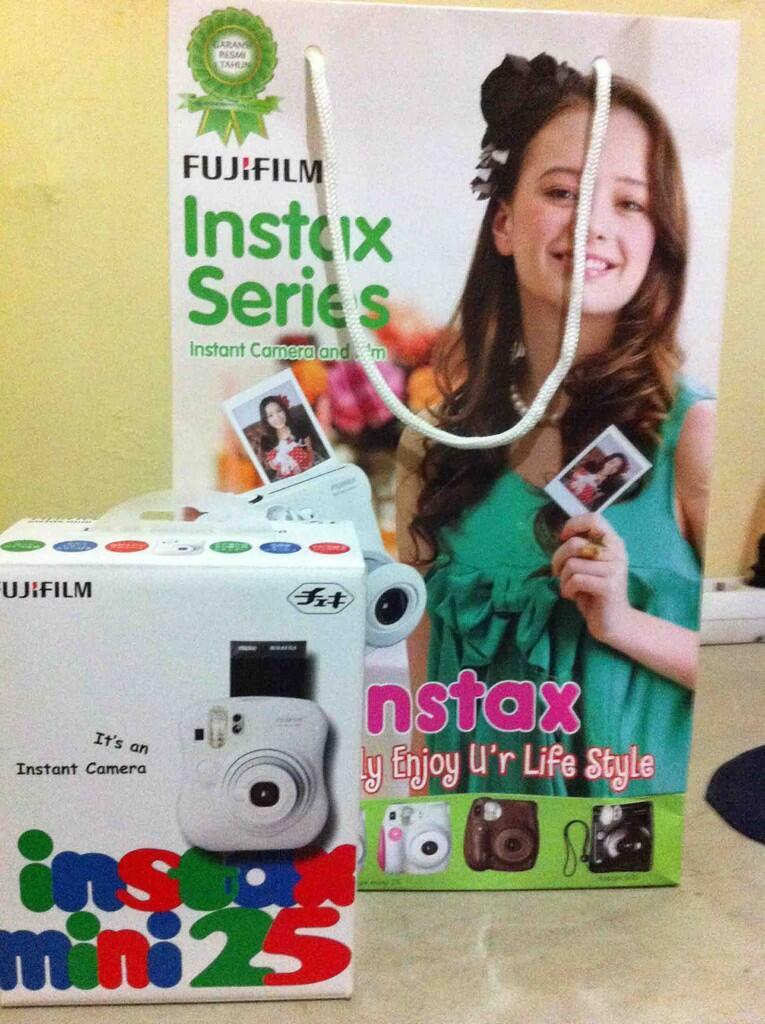 Kamera Polaroid Fujifilm Instax Mini 25ssensi