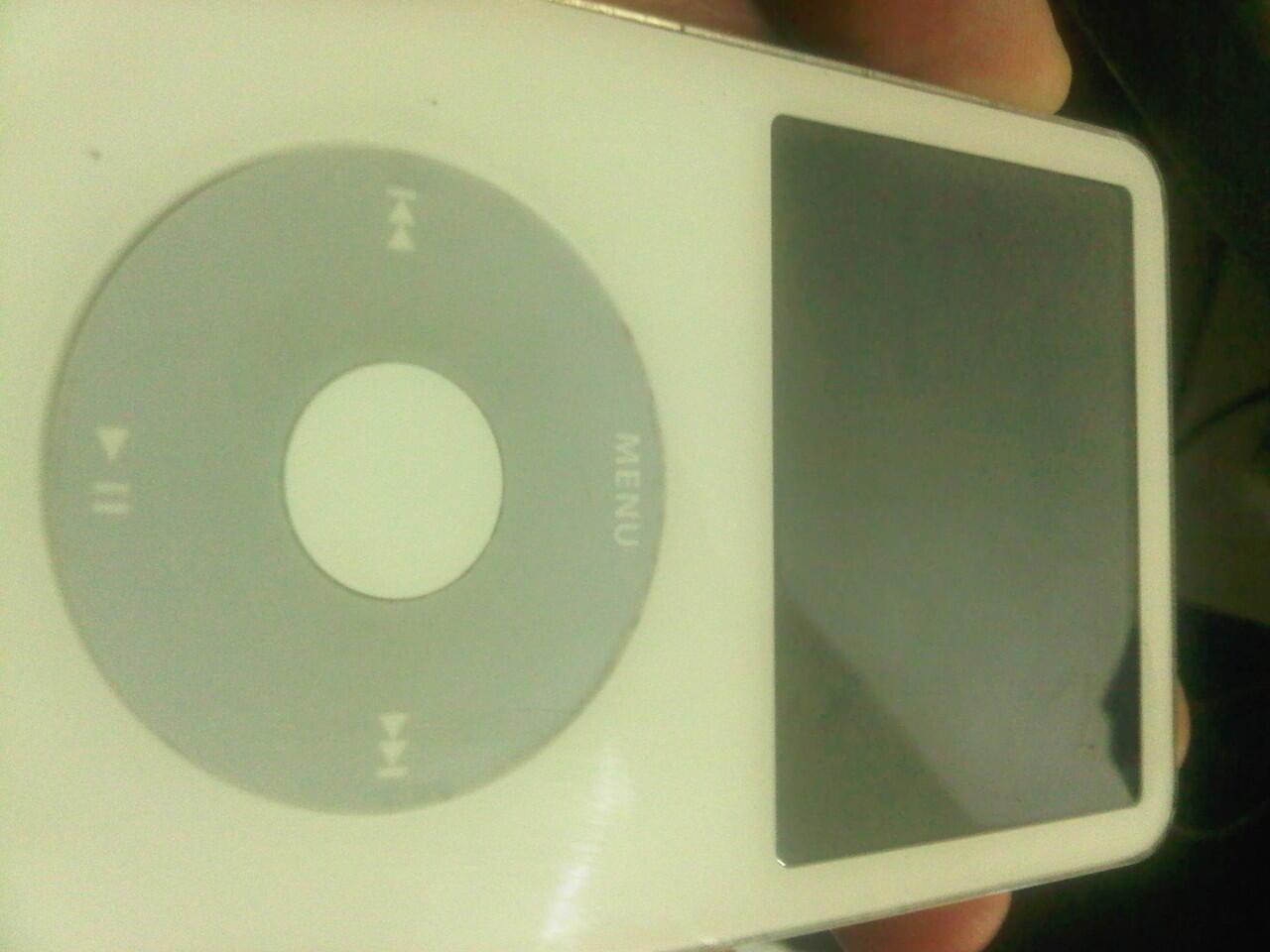 WTS JUAL IPOD GLASSIC 8GB