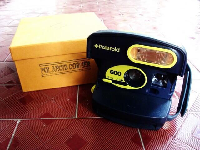 Semua Harus Lakuuuu !! Polaroid 600 - Neon Button