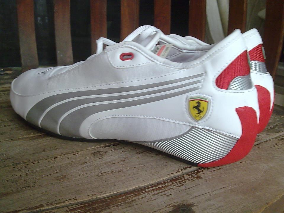 Terjual jual sepatu puma ferrari 2013 sample size 42  6e9a6483ff