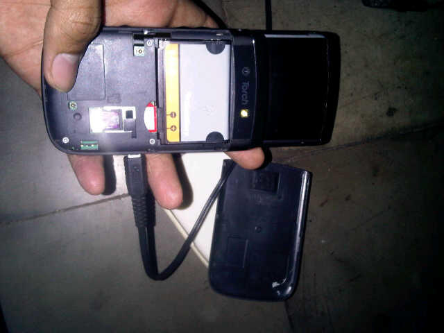 BLACKBERRY 9800 ATAU TORCH 1