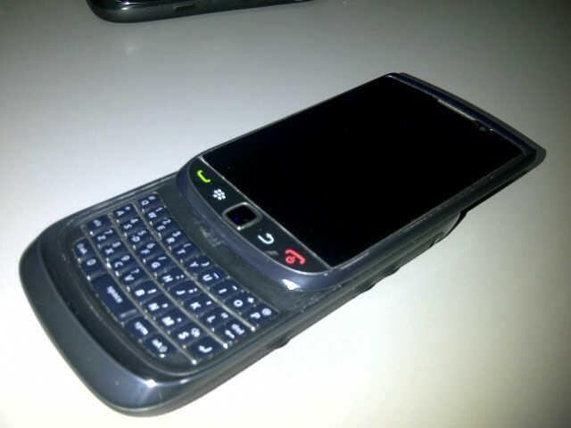 WTS Blackberry Torch 1 garansi TAM 19 bulan,,COD Palembang