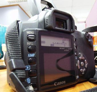 Jual Kamera Canon EOS 350D + Lens Kit EF-S 18-55