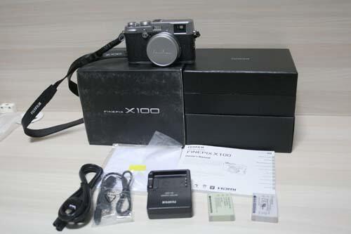 Dijual Cepat FujiFilm X100 + Extra Battery