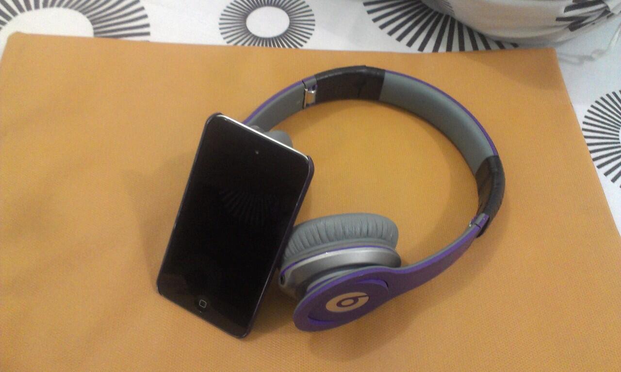 WTS iPod touch 4th gen 32gb black Istimewa 1,7 jt aja