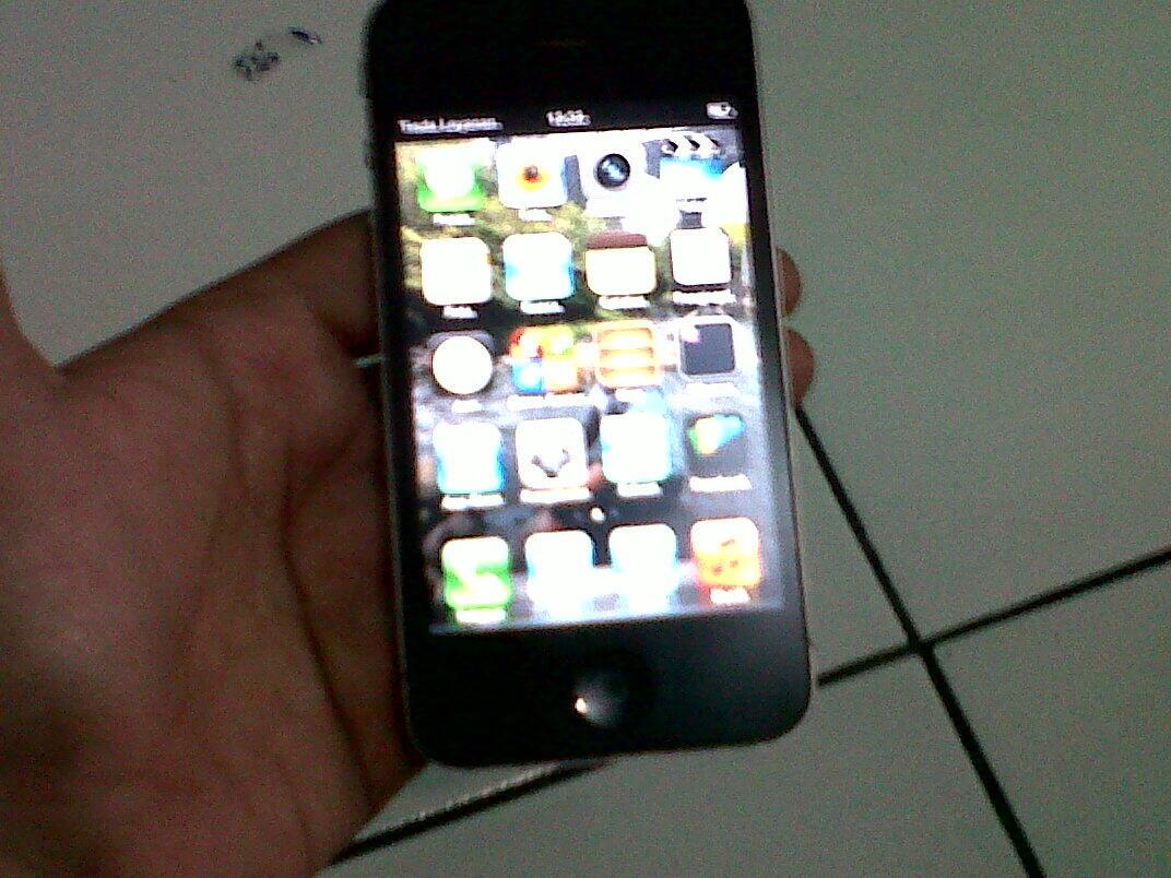 WTS : IPHONE 4 16GB black JOGJA