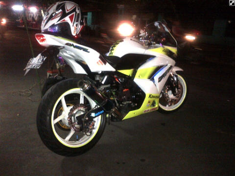 ***Jual Motor Ninja 250 Putih Hijo Sudah di Modif Cekidot 42jt Nego***