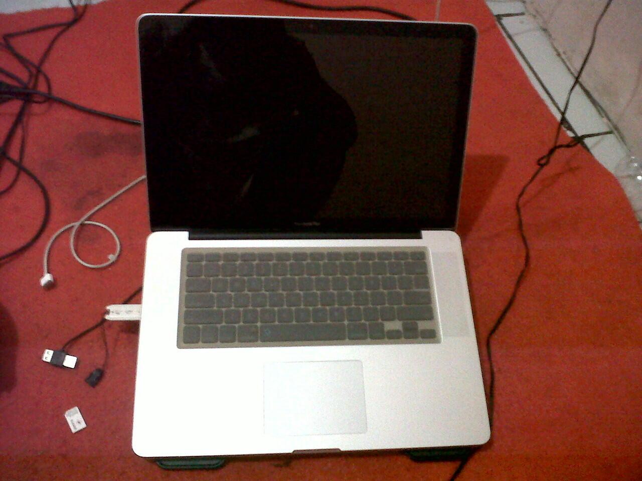 Macbok Pro 15 inch | Hd 1 TB | RAM 8 GB | Spek sadis ! Harga Murah !