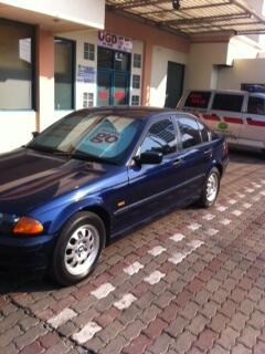 Jual cepat mobil BMW 318i Triptonik Full Orisinil tahun 2000 - Jual Pasrah-