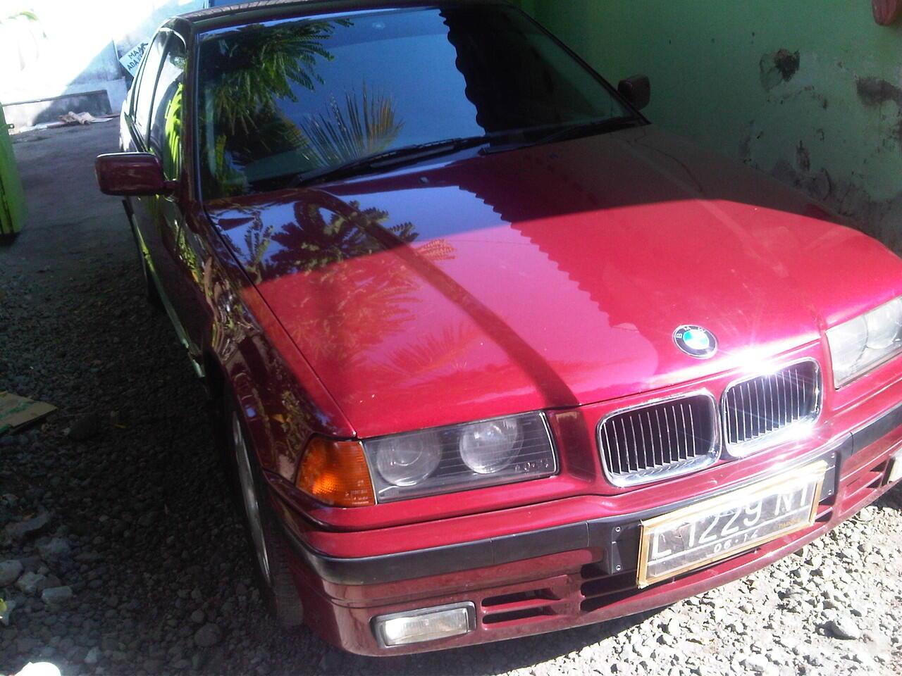 BMW 318i Merah Metalik 1992 ( BOXER) Mulus siap pakai SURABAYA