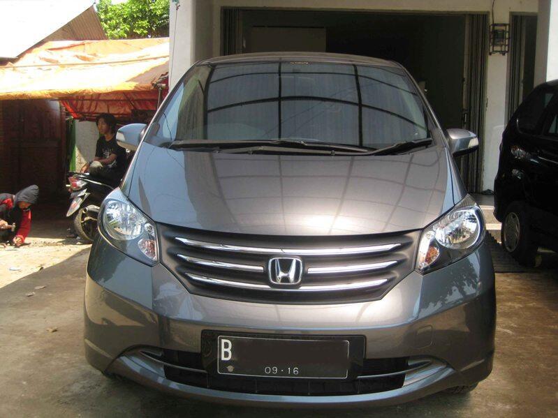 Honda Freed PSD 2011 abu abu