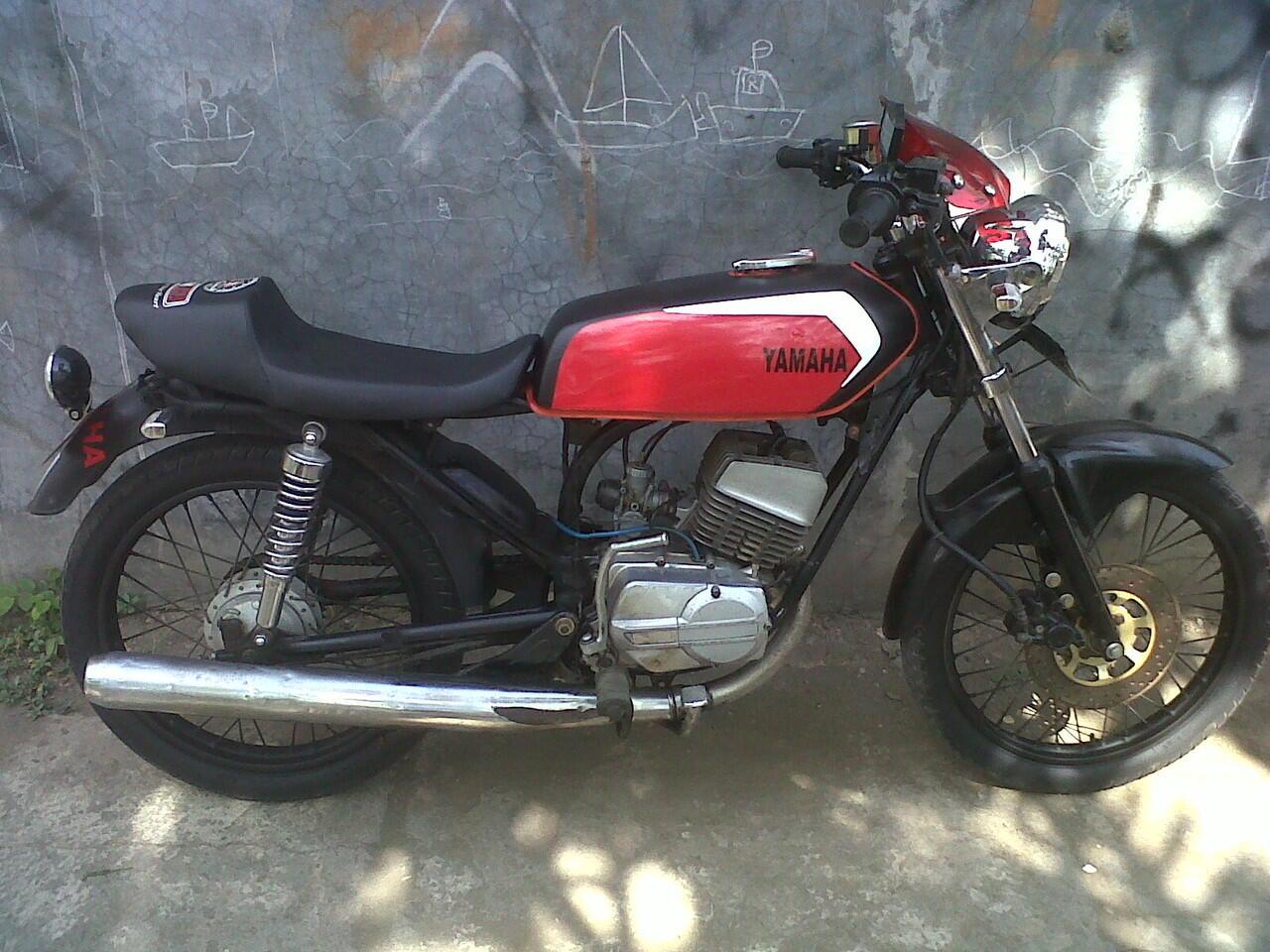 YAMAHA RX 100 CLASSIC