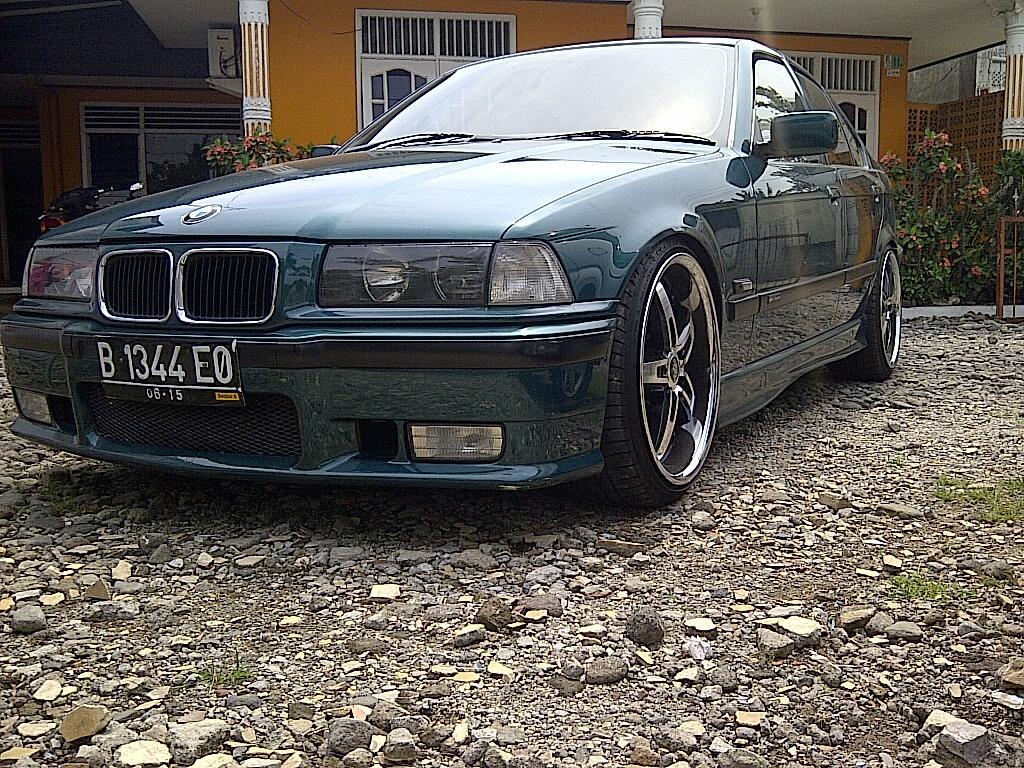 BMW 320i SE-Matic 95