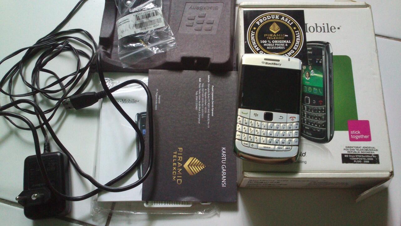 BB Onyx 9700 murah n mulusss.. Surabaya