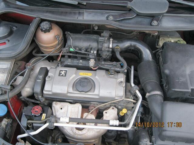 Peugeot 206 Merah Metalik M/T 2004