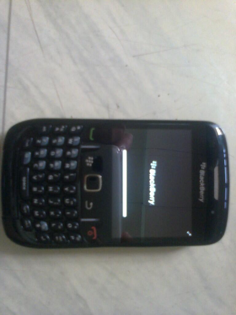 BLACKBERRY gemini 8520 HITAM