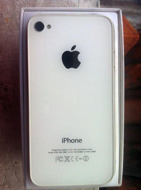 iphone 4 32GB FU white mantaapp && iphone 4 32GB SU locked black murmer semarang