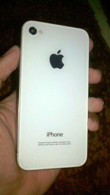 Iphone 4 CDMA Like New Garansi Terima TT Malang