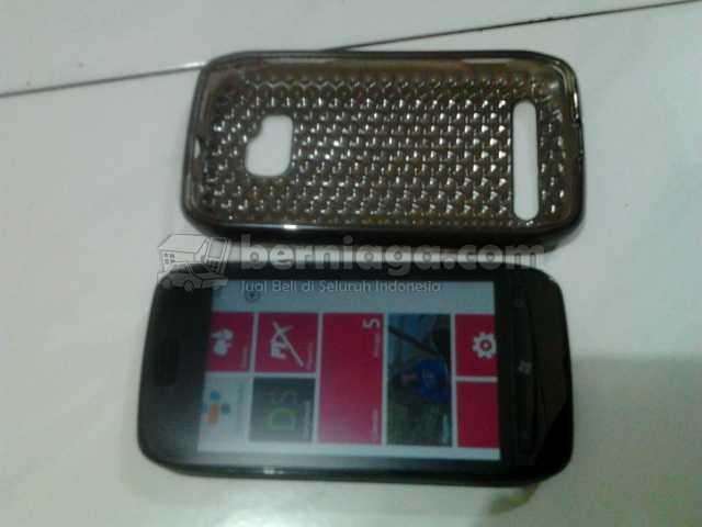 Jual Nokia 710 Windows Phone Warna Hitam Fullset Masih Garansi Solo Boyolali Pabelan
