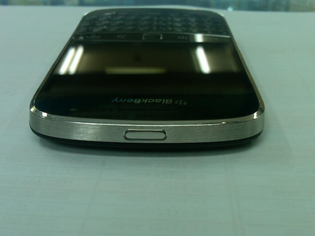 blackberry dakota 9900 black grs TAM nov 13