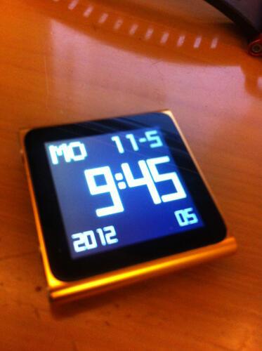 Ipod nano 6th gen 8gb + Lunatik watch band