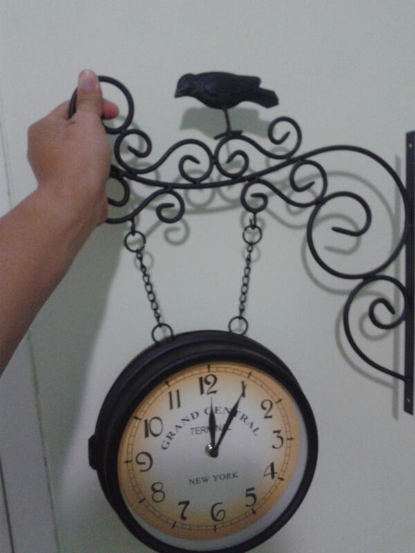 """jam """"antik"""" ala retro sekalian sama lampunya semua new"""