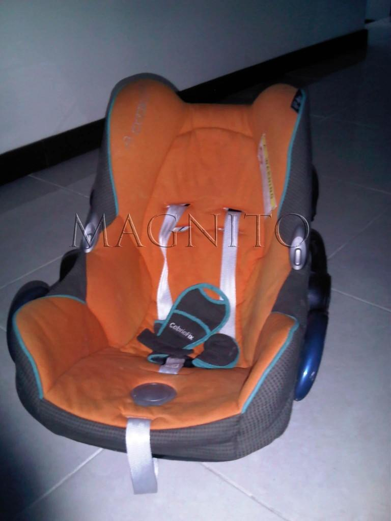 """MAXI-COSI: CABRIOFIX"" 2008 NEW BORN INFANT CAR SEAT"