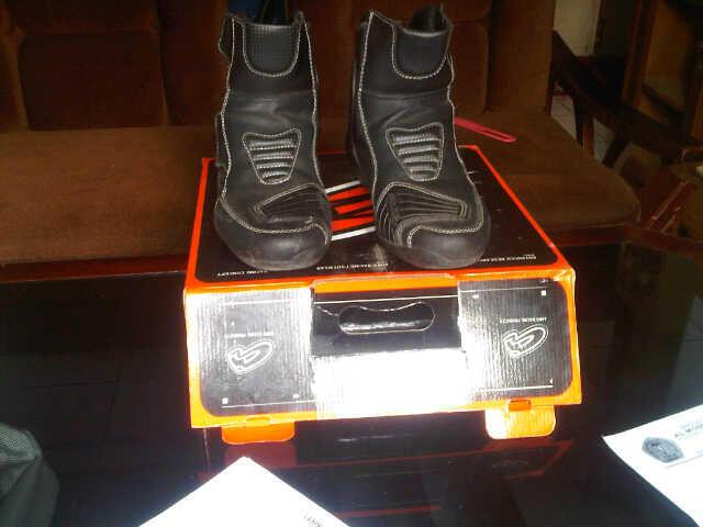 Dijual sepatu touring AHRS baru sekali pakai + box (bandung)