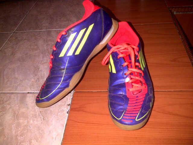 Jual Sepatu Futsal ADIDAS F5 IN! Second, MURAH!
