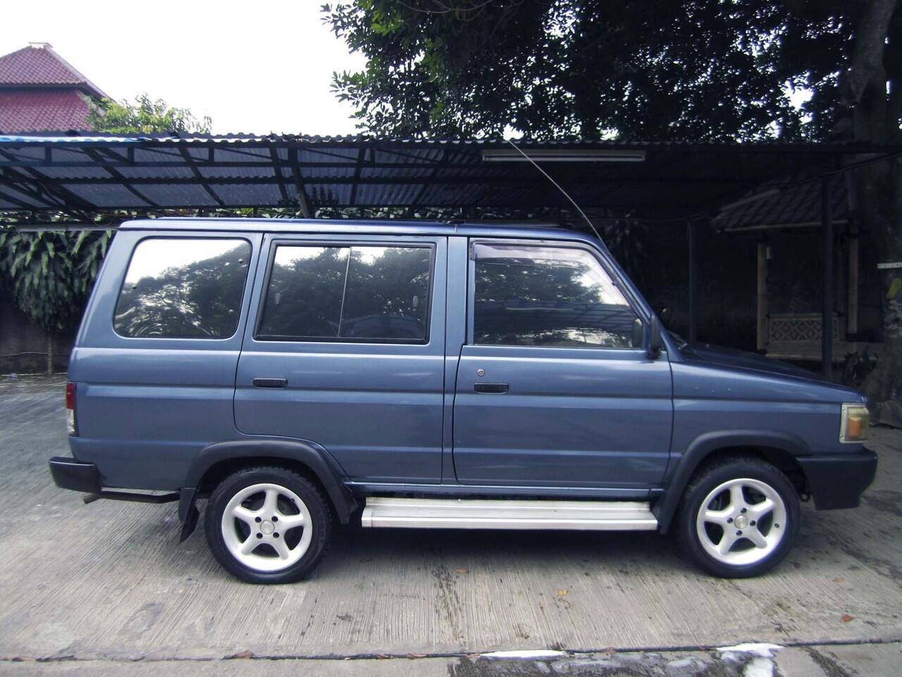 26+ Mobil Warna Biru Metalik