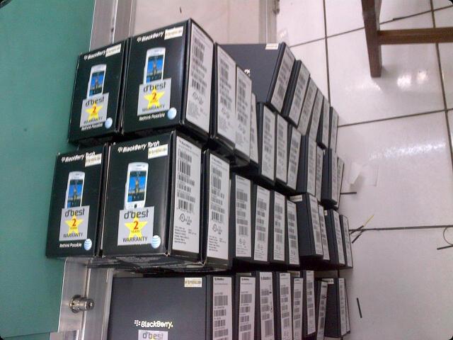 blackberry Torch 2 9810 (jenning) white Baru Segel Garansi 2 tahun service & sparepa