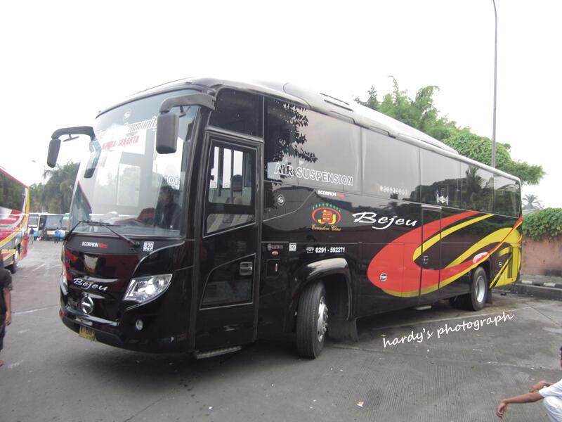 "Bejeu ""Black Bus Community"" (Komunitas Pecinta Bus Bejeu)"