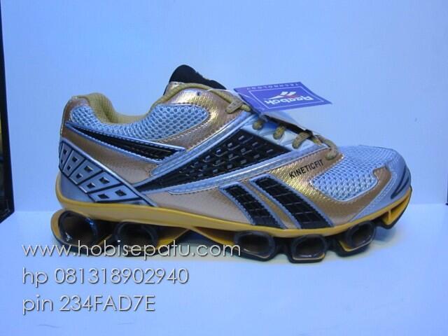 c3d4b64386 Terjual sepatu murah zara