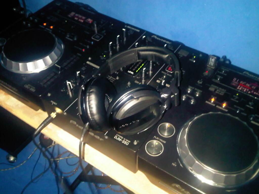CDJ 350 + DJM 350 + Flightcase + HDJ 1500