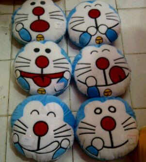 Bantal Doraemon Diameter 42cm