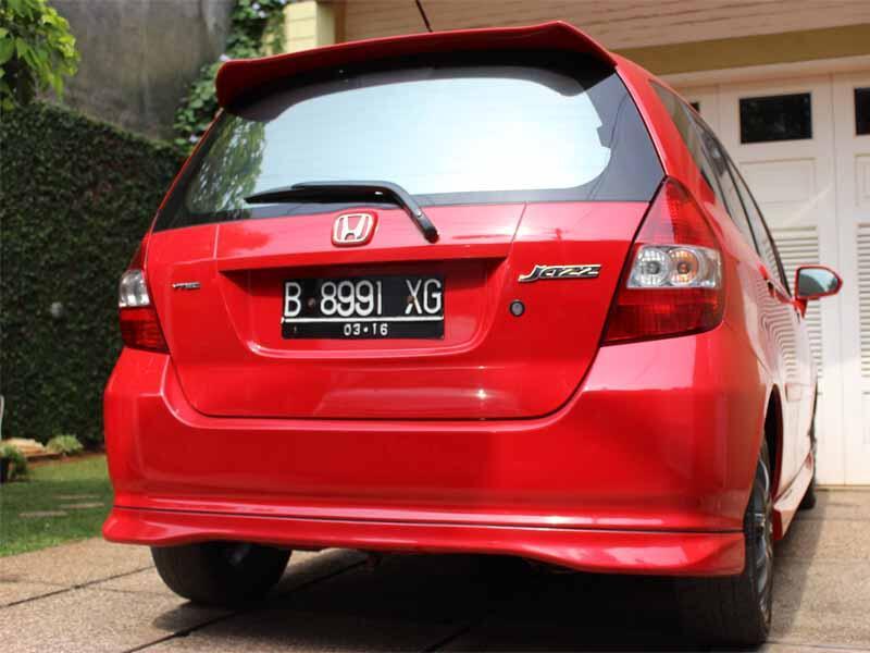 Jual Honda Jazz VTec M/T 2006 Warna Merah