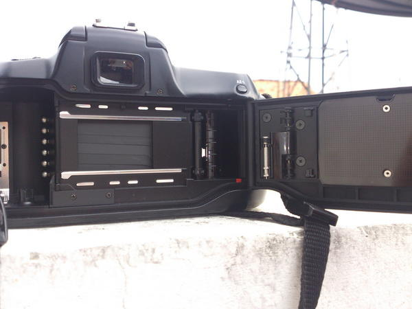 Nikon SLR N50 (F50) + Nikon SB-26 (BONUS 2 LENSA + BAG)