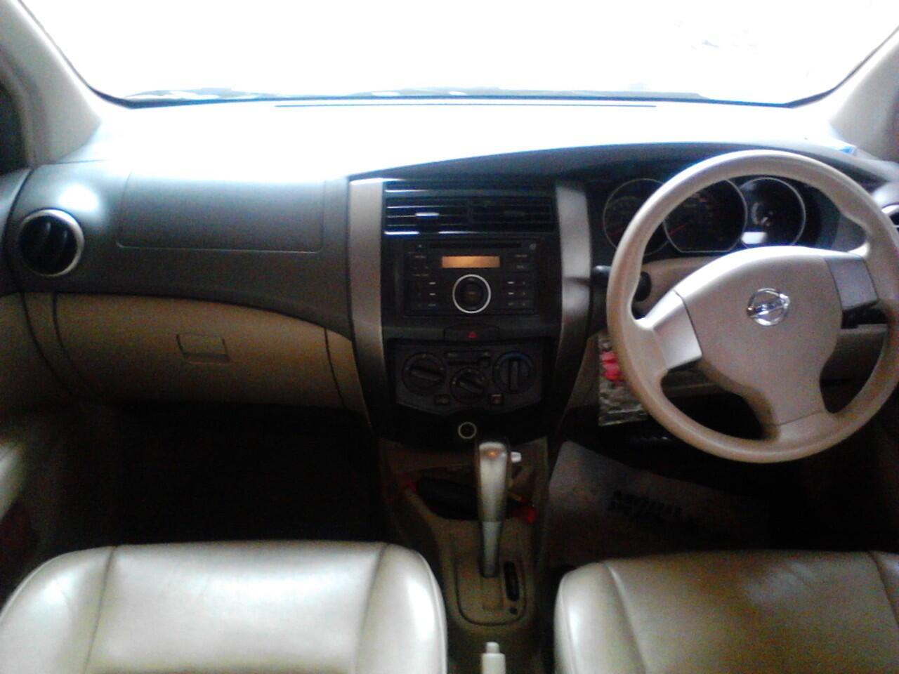Nissan GRAND LIVINA XV A/T 2007