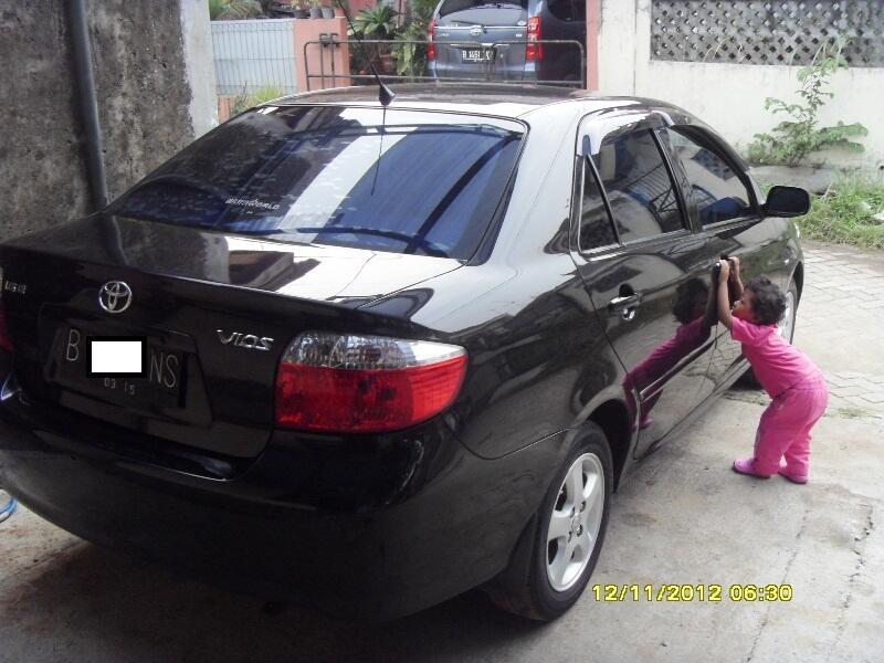 Toyota Vios 2005/2004,Manual,Hitam,Cat orisinil, A/N Pribadi