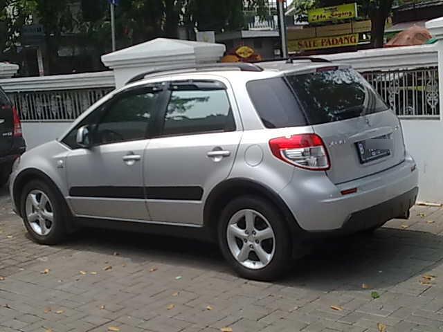 [WTS] Suzuki SX4 (x-over) M/T 2009 KM Rendah