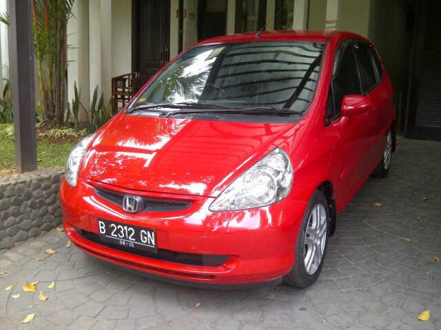Dijual Honda Jazz 2005 Merah