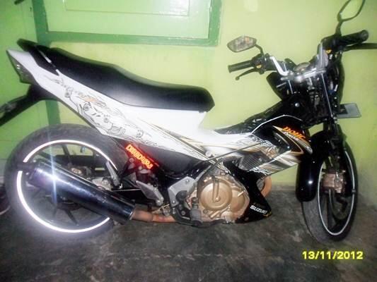 jual motor suzuki satria keluaran 2011 (makassar cod) bisa nego