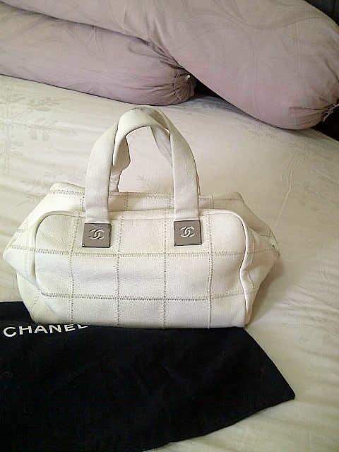 Terjual DIJUAL Tas CHANEL Asli Warna Putih White  1f9ec0ec2f