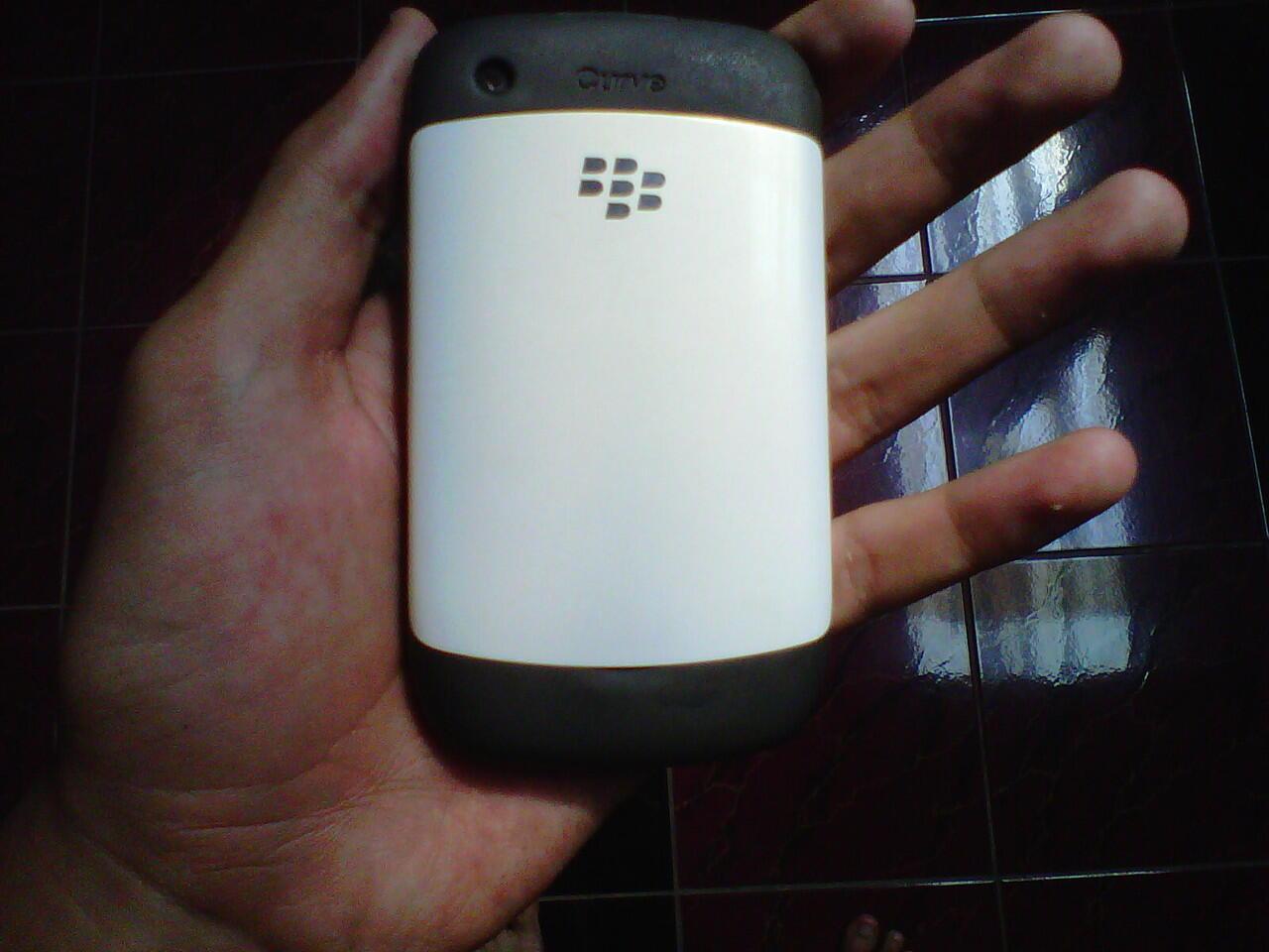 BLACKBERRY/BB GEMINI 8520 WHITE FULLSET GARANSI CTN JOGJA/SOLO