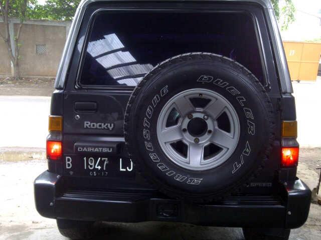 Daihatsu Taft Rocky Independen 1997