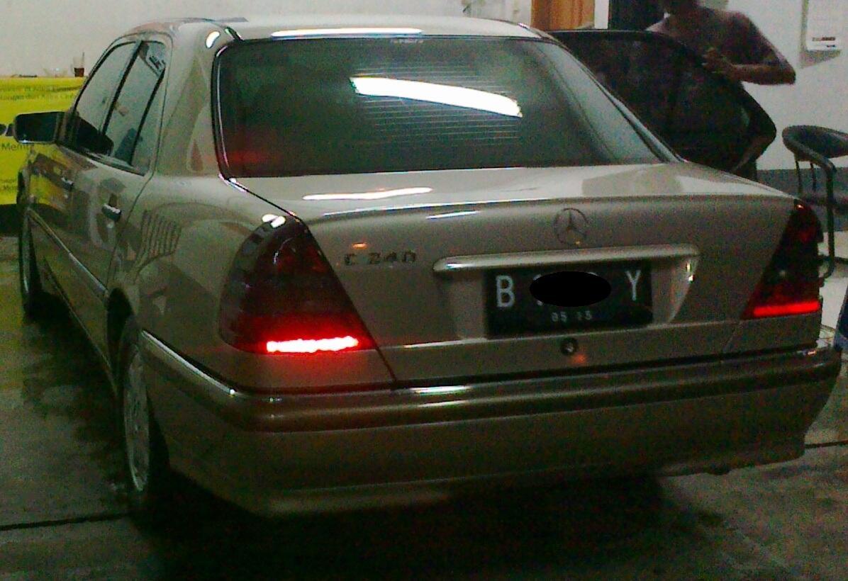 Mercedes Benz C 240 Tahun 2000