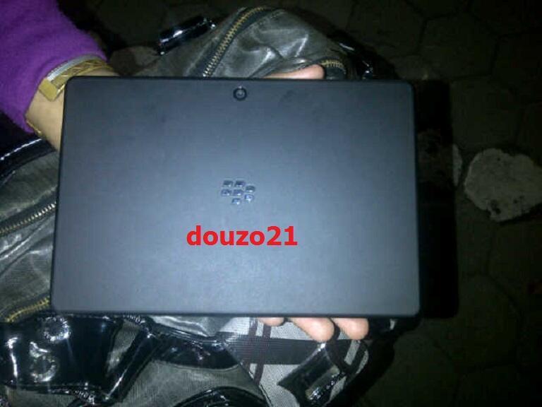 Blackberry Playbook 64 GB (CTN) TERBATAS, BARU & MURAH !!!