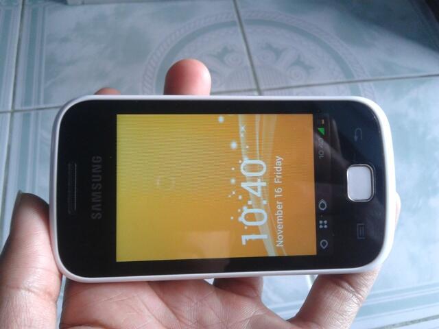 Android Samsung Galaxy Gio S5660 Jellybean white / putih